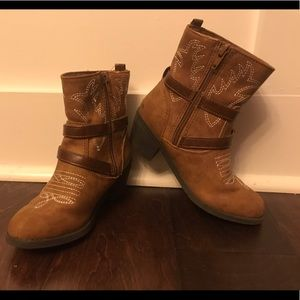 Other - Size 1 Girls Zip Up Brown Boots